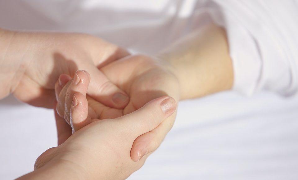 How Do Cosmetic Procedures Help People?